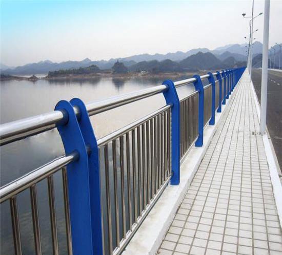 氟碳漆应用在护栏